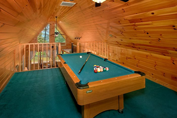 3 Bedroom Cabin with Pool Table in Loft Area - Big Bear