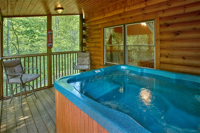 Secluded 3 Bedroom Cabin with Hot Tub - Big Bear