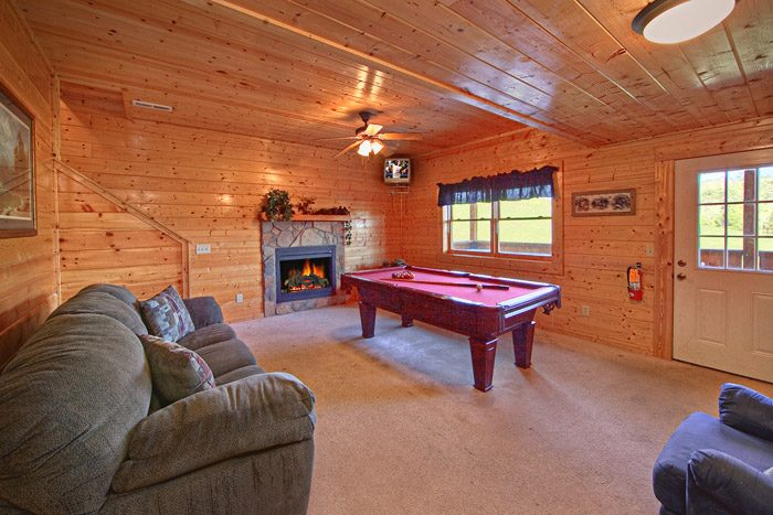 Cabin with Pool Table - Big Bear Lodge