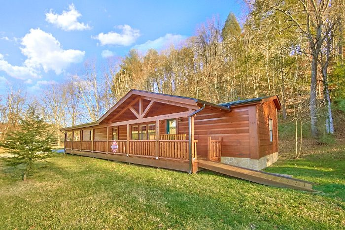 Smoky Mountain Cabin Near Pigeon Forge | Sleeps 10