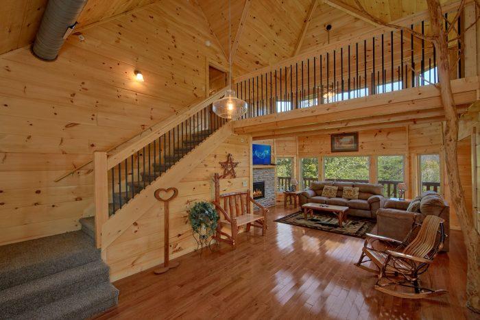 5 Bedroom 5 Bath Cabin Sleeps 14 - Big Mack Lodge