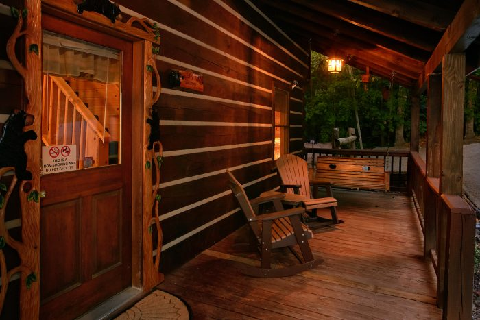 Gatlinburg Cabin with Large Decks and Rockers - Big Sky View