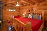 Cabin with King Master suite and Fireplace