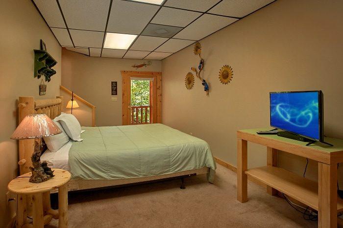 Gatlinburg Cabin with 3 King Master Bedrooms - BlueBaery Hill