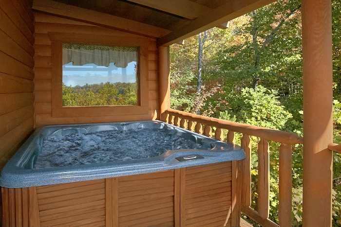 3 Bedroom Cabin with Secluded Hot Tub - BlueBaery Hill