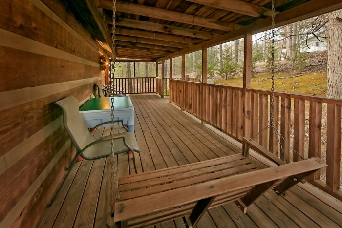 Cabin with front porch swing - Bluff Haven
