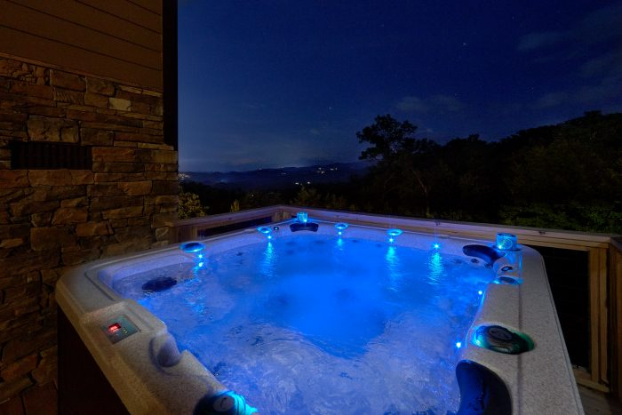5 Bedroom cabin with Private Hot Tub and Views - Bluff Mountain Lodge