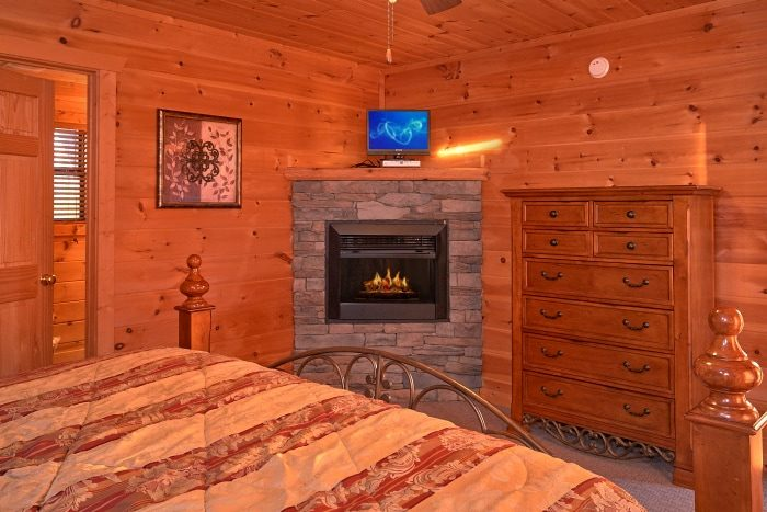 Private Master Suite with TV and Fireplace - Breathtaker
