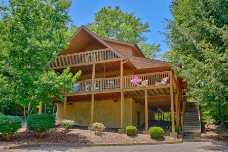 Sleepy Ridge: 3 Bedroom Sevierville Cabin Rental