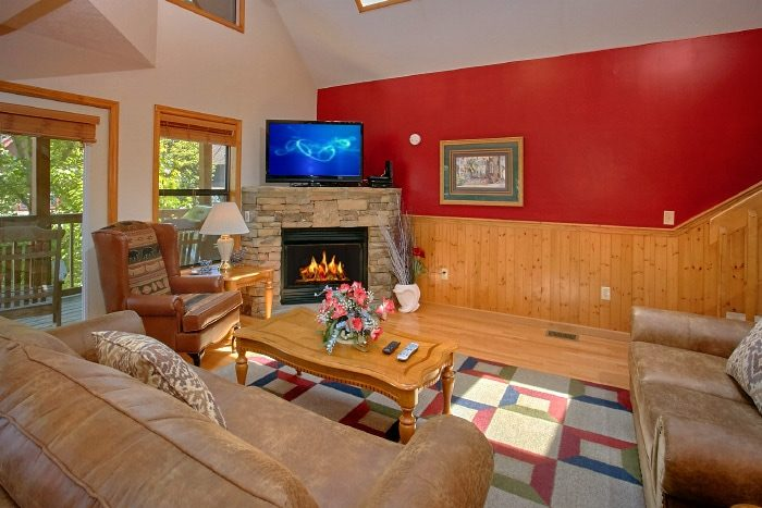 3 Bedroom Cabin with Sleeper Sofa and Fireplace - Brentwood