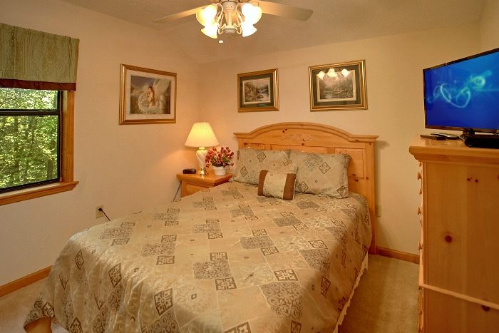 Cabin with Private Queen Bedroom and Bath - Brentwood