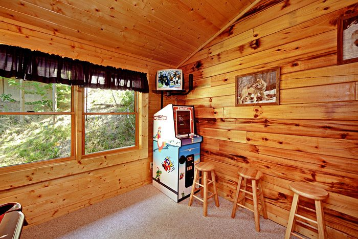 Arcade Game in Lofted Game Room - Campbells Cabin