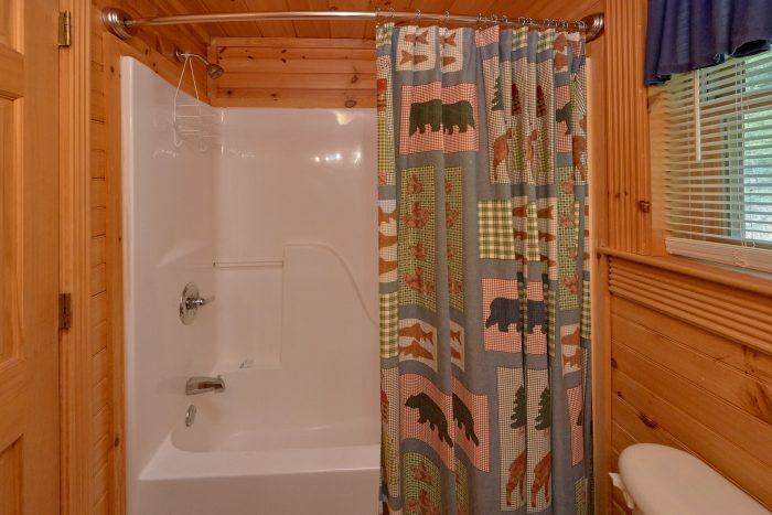 Wears Valley Cabin with 2 Private Bathrooms - Candle Light Cabin