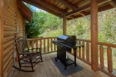 2 Bedroom cabin with Gas Grill and Hot Tub