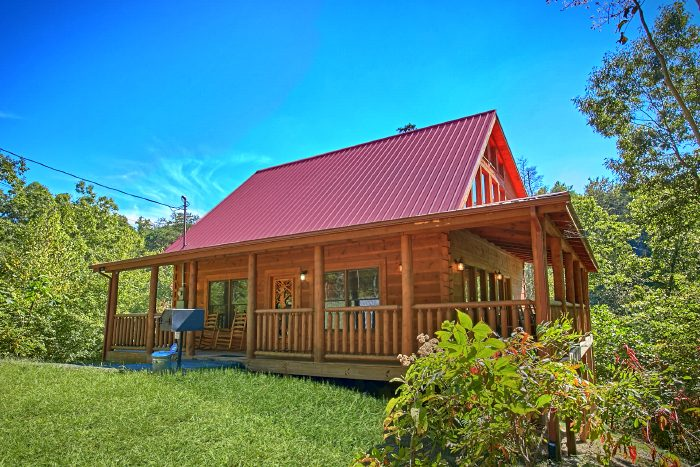 Secluded 2 Bedroom Cabin with Theater Room - Can't Bear To Leave