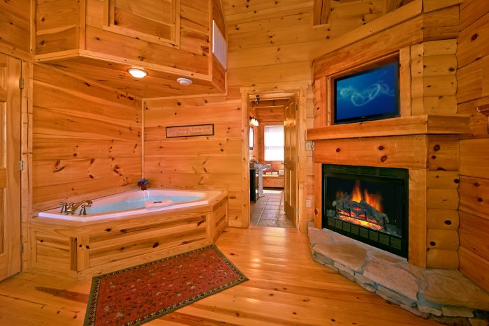 Cabin with 3 king suites and 3 jacuzzis - Catch A Star