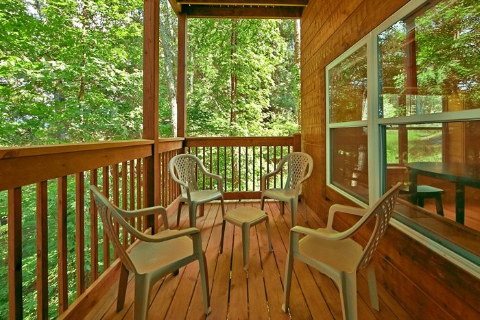 3 Bedroom cabin with wooded views - Catch A Star