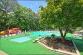 Gatlinburg Chalet with Resort Swimming Pool