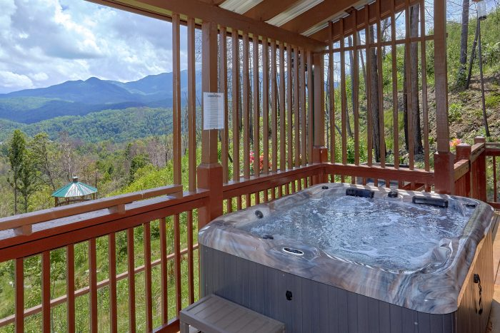Cabin in Gatlinburg with Hot Tub on Deck & View - Charming Charlie's Cabin