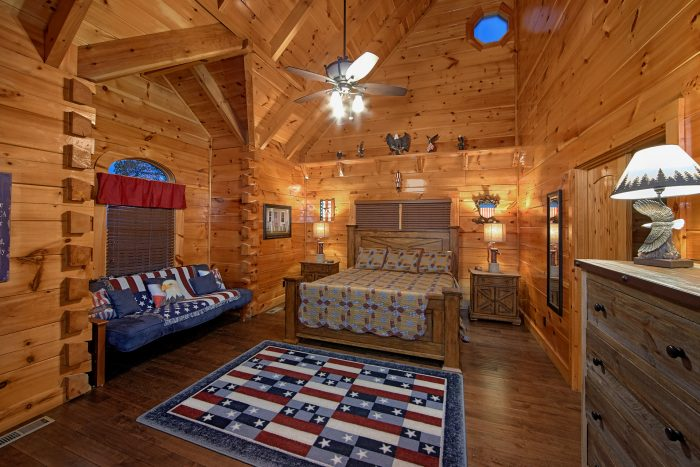 Luxury Cabin with Private King Bedroom and Bath - Chateau Relaxeau