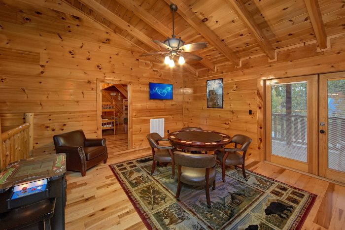 Cabin with 2 Arcade Games and Loft Game Room - Chateau Relaxeau