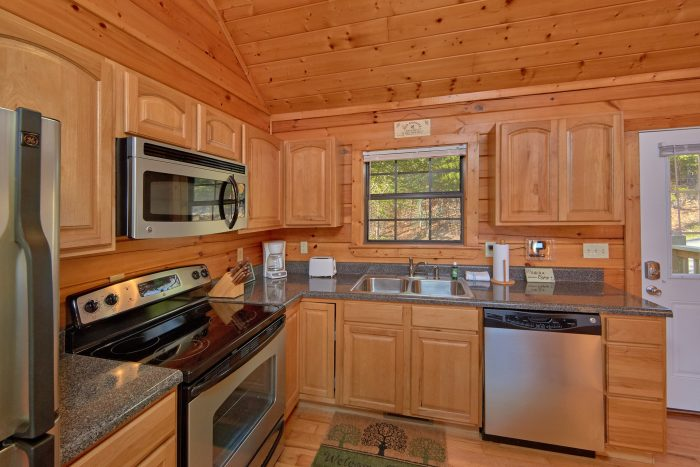 All Stainless Appliance 3 Bedroom Cabin - Cheeky Chipmunk Getaway