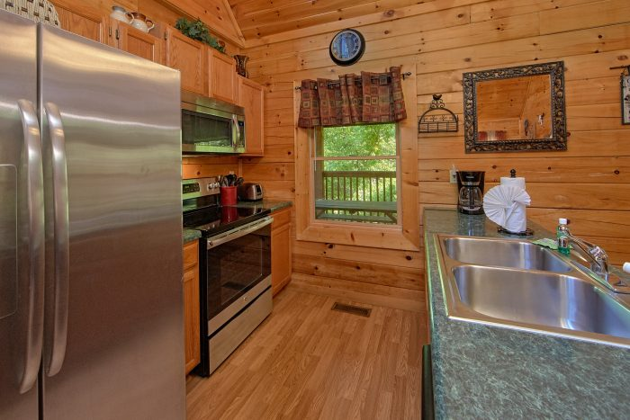 2 Bedroom Cabin with a Fully-Stocked Kitchen - Cherokee Creekside