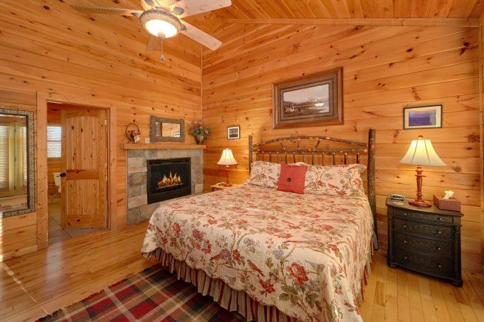 main Floor Master Bedroom - Cherokee Hilltop