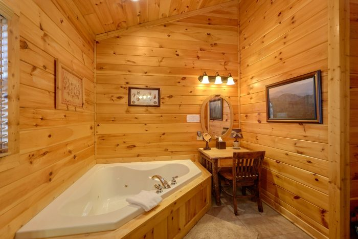 Main Floor Master Suite with Full Bath Room - Cherokee Hilltop