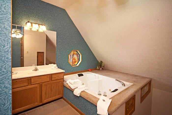 Indoor Jacuzzi in Gatlinburg Renatl - Cherokee Springs
