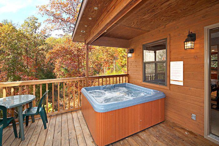 Great Outdoor Hot Tub in Gatlinburg Rental - Cherokee Springs