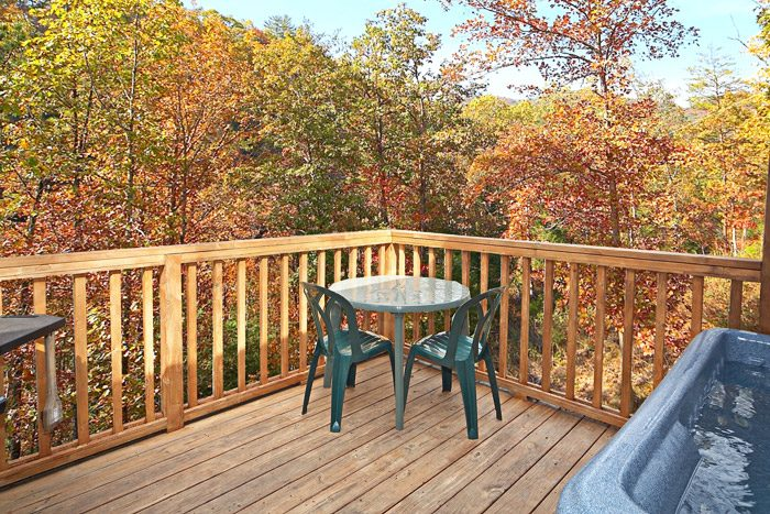 Great Deck to Experience the Great Outdoors - Cherokee Springs