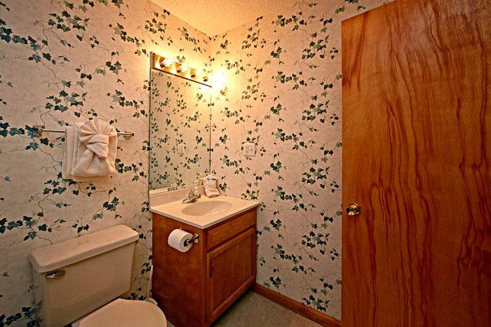 Cottage with Bathroom - Cinnamon Cottage