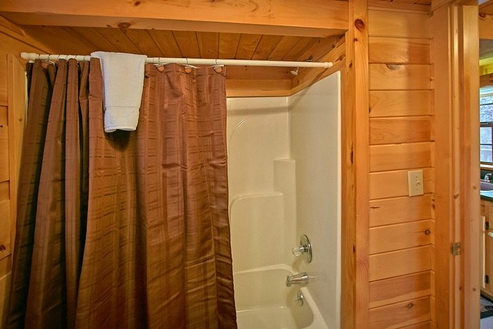 Cabin with tub and shower combo - Cloud 9