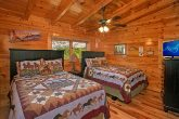 6 Bedroom Cabin with 2 Queen Beds and Bath