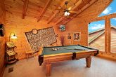 Pigeon Forge Cabin that offers a Billiard Room