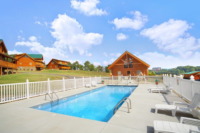 Pigeon Forge Cabin with Resort Pool - Cool Like Jazz