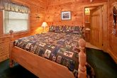 Cabin with queen bedroom and bath