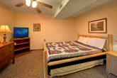 Rustic 6 Bedroom Cabin with 5 Bathrooms