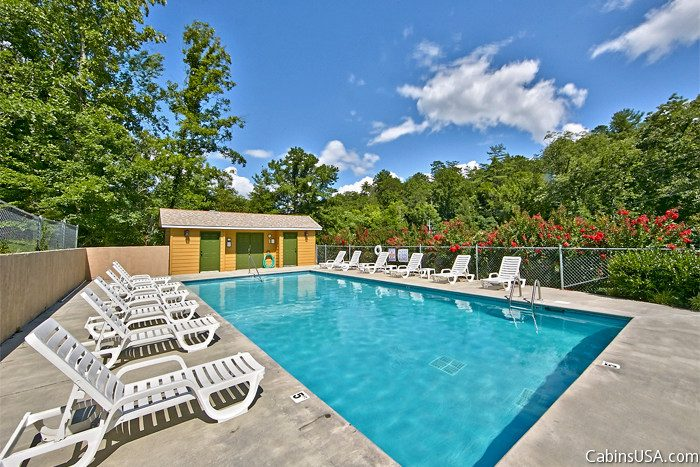 6 Bedroom cabin with Resort Swimming Pool - Country Oaks Lodge