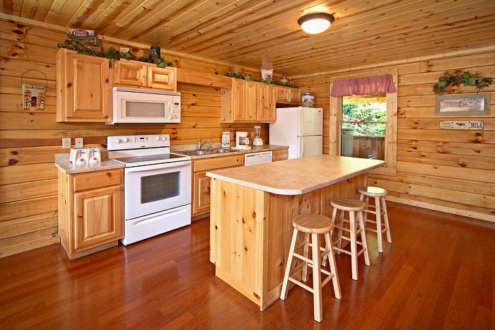 Spacious Fully Equipped Kitchen - Cowboy Up