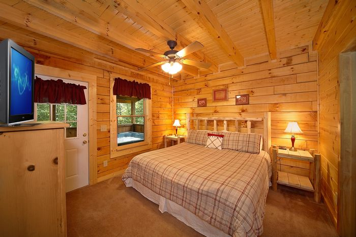King Bedroom that connects to Hot Tub - Cowboy Up