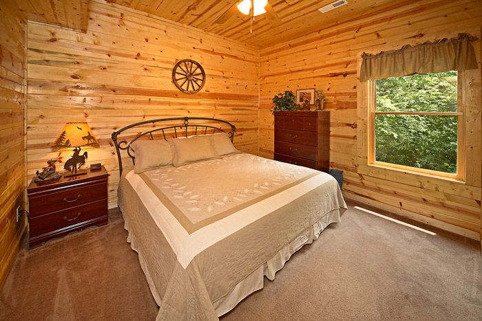 Cabin with King Bed - Cowboy Up