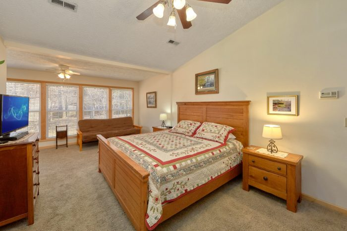 Vacation Home Near Pigeon Forge with King Bed - Creekside Cottage