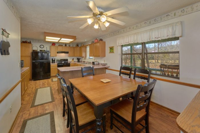 Vacation Home with Dining Room - Creekside Cottage