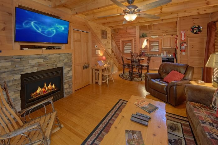 Luxury Resort Cabin with Fireplace and 2 Bedroom - Creekside Hideaway