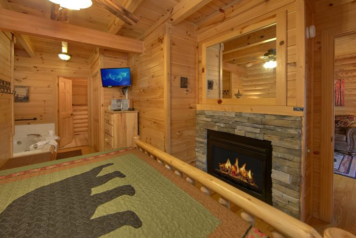 King Bedroom with Jacuzzi Tub and Fireplace - Creekside Hideaway