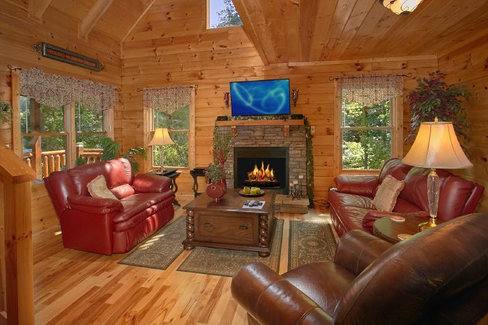 Luxurious 1 Bedroom Cabin with Fireplace - Crimson Moon