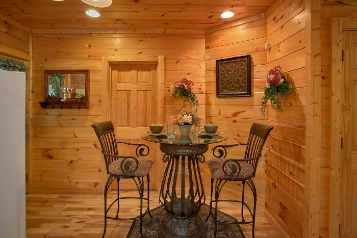 Premium 1 Bedroom Cabin with Dining Area - Crimson Moon