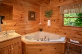 Luxurious Jacuzzi Tub in 1 Bedroom Cabin